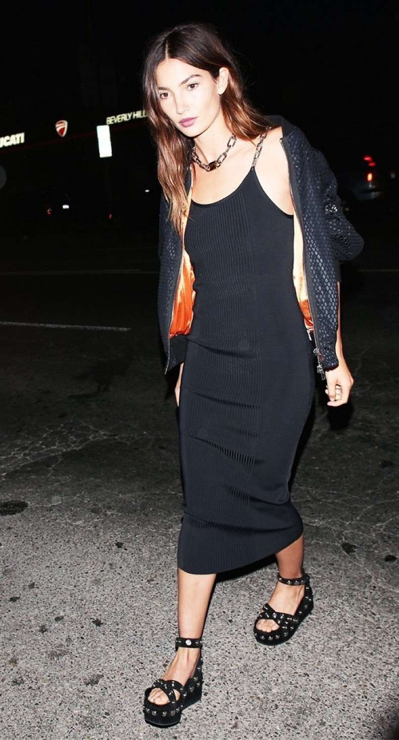 the-2-piece-going-out-look-celebrities-swear-by-1791981-1464915729-600x0c