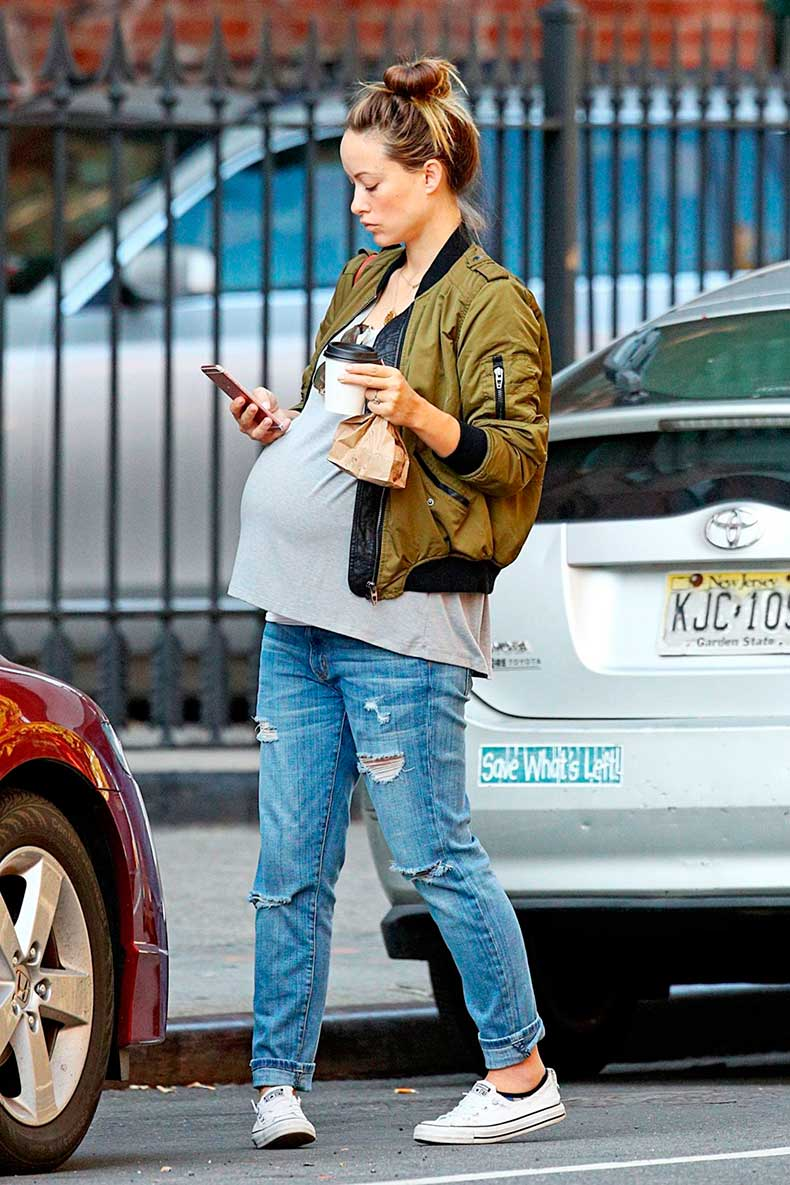 pregnant-olivia-wilde-out-in-new-york-09