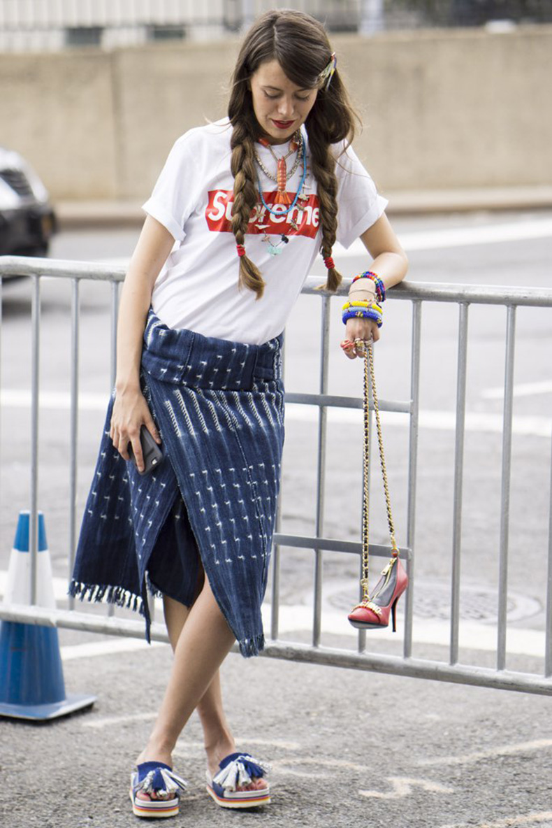 graphic-tees-street-style-trend-fashion-week-spring-2017-2