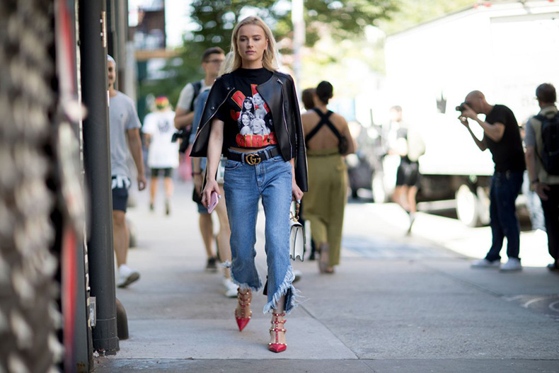 graphic-tees-street-style-trend-fashion-week-spring-2017-3