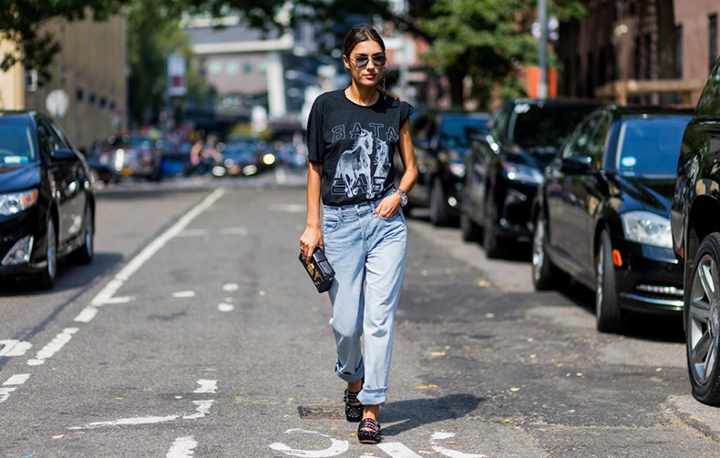 graphic-tees-street-style-trend-fashion-week-spring-2017-4