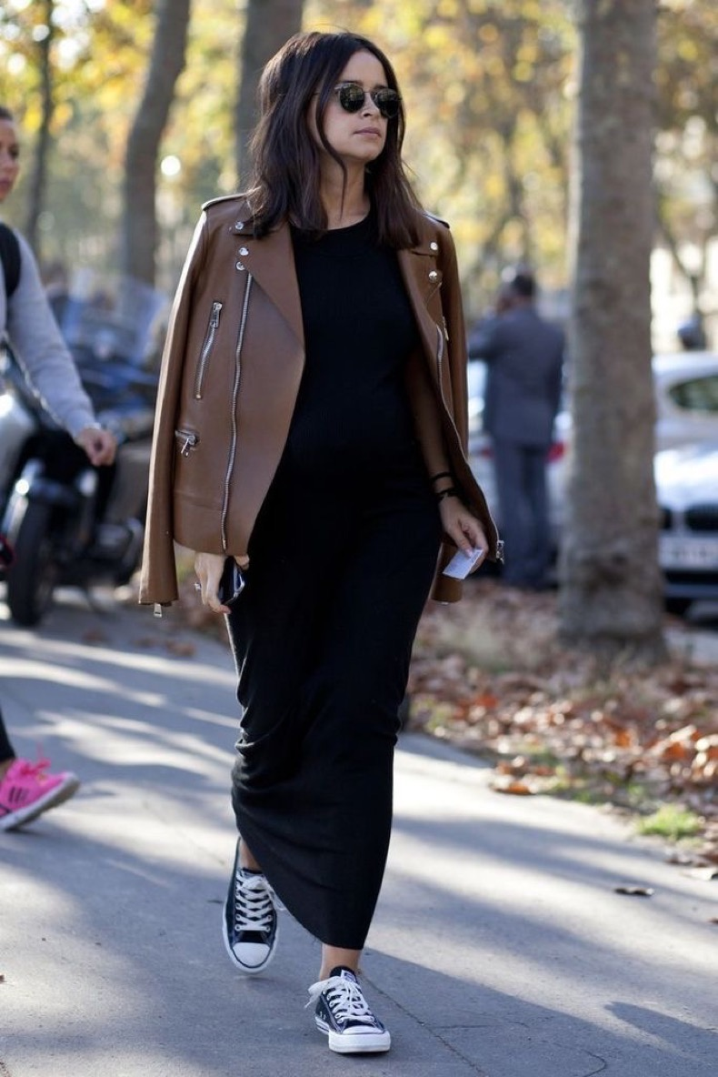le-fashion-blog-ways-to-wear-black-converse-sneakers-leather-jacket-maxi-dress-round-sunglasses-miroslava-duma-street-style-via-glamour-spain